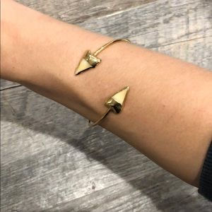 Jewelry - 14k gold Adjustable shark tooth bracelet